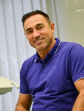 Dr. med. dent. Csaba Borbáth